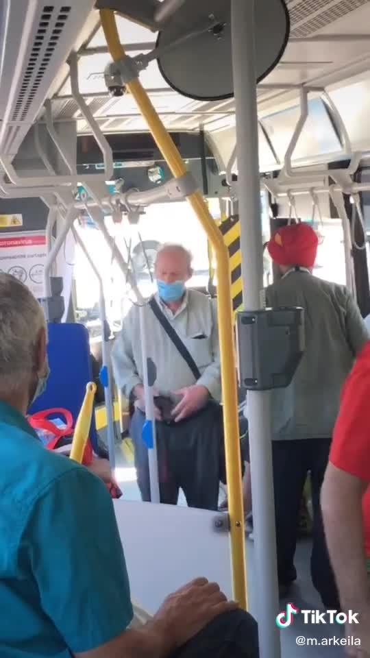 Bus mask wars