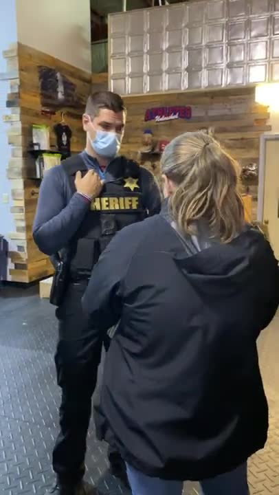 Buffalo, New York Business Owners Stand Up to Cuomo Lockdown Orders; Chase Out Sheriff & Health Dept
