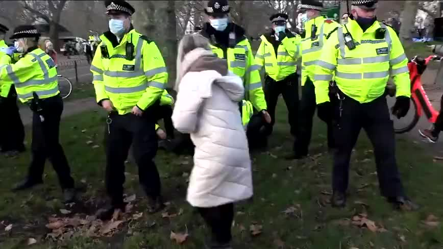 Zol Neveri - Clip 3/3  Anti Lockdown Protest - London  Hyde Park 2 January 2021  A number of people have been arrested under health protection regulations and taken into custody.