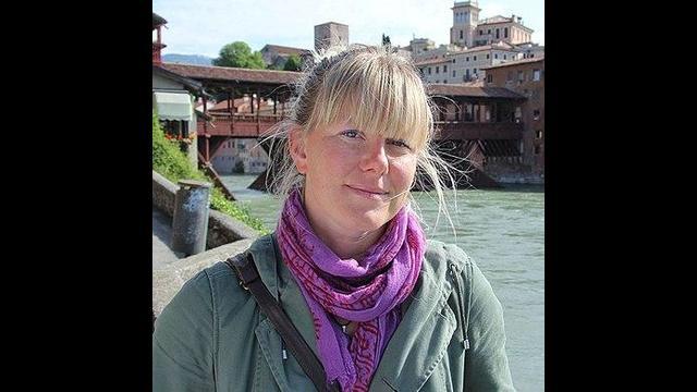 Italian politician Sara Cunial calls for arrest of Bill Gates